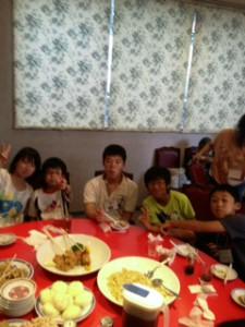 2013年「夢と希望と絆の架け橋」プロジェクト」中華街にて夕食12