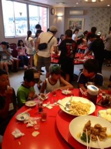 2013年「夢と希望と絆の架け橋」プロジェクト」中華街にて夕食14