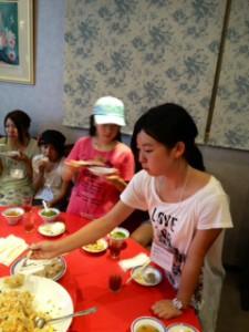 2013年「夢と希望と絆の架け橋」プロジェクト」中華街にて夕食19