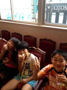 2013年「夢と希望と絆の架け橋」プロジェクト」中華街にて夕食5